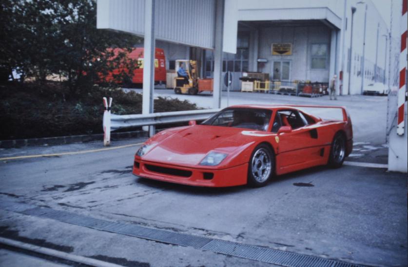 1988 Ferrari Factory Visit Artikel Petrolicious Garage X